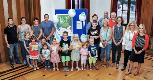 Bis in den Hohen Norden: Die Preisverleihung im Rathaus für die Gewinner des diesjährigen GMG-Ballonwettbewerbs