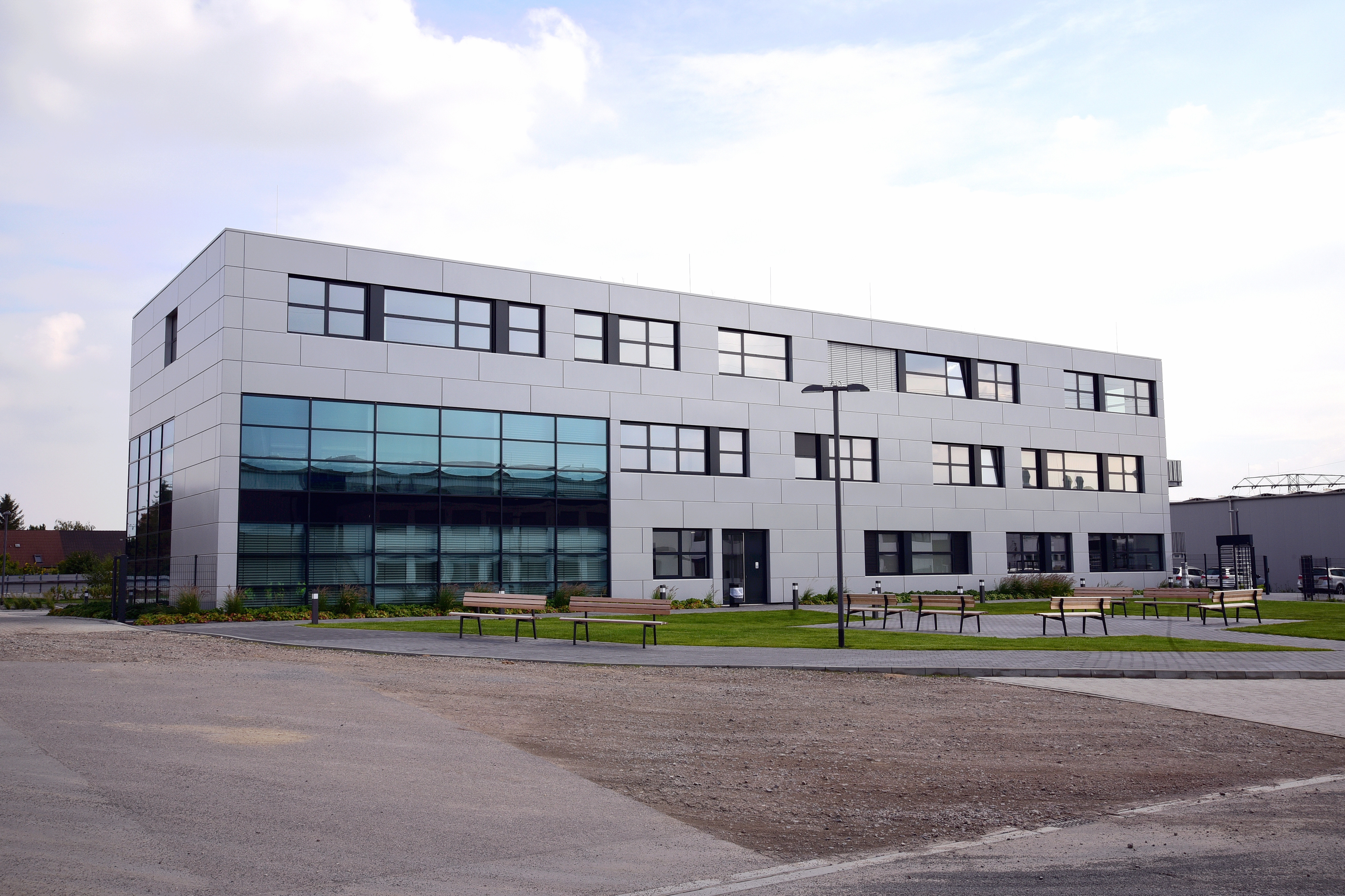Referenzgebäude: KLEUSBERG GmbH & Co. KG / Hauptniederlassung Ost