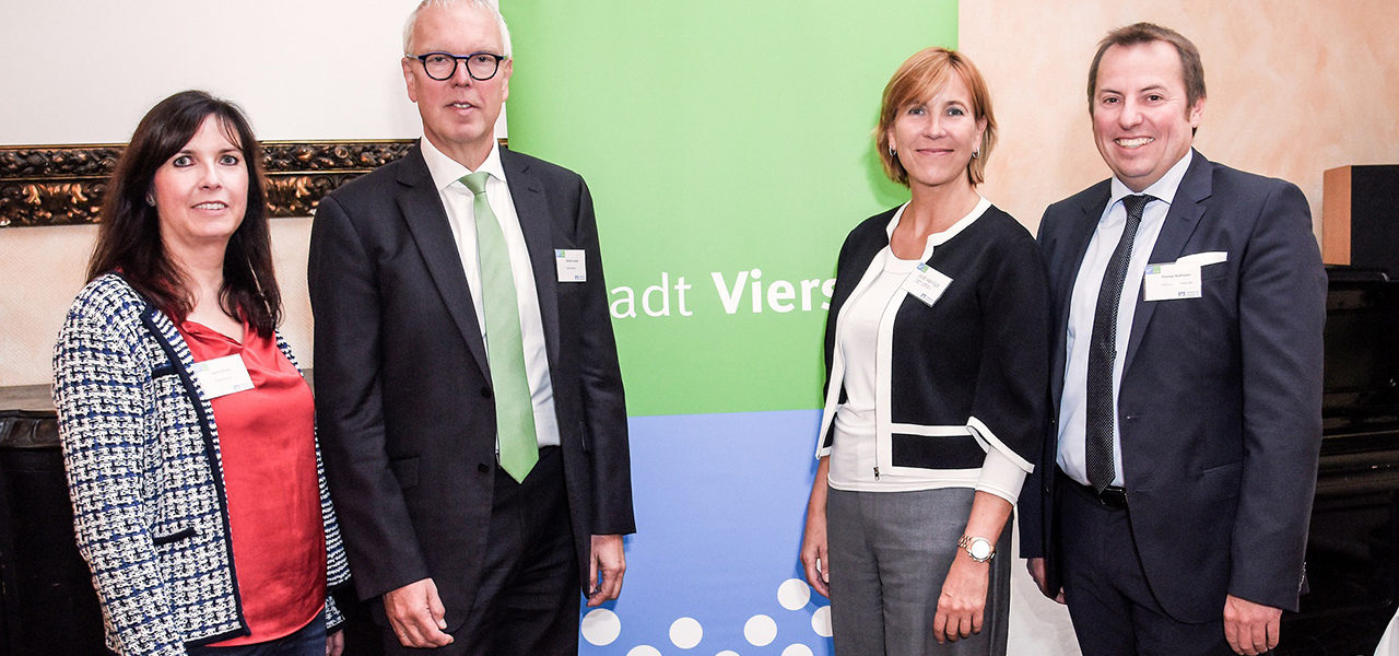"""Bürgermeisterin Sabine Anemüller beim Unternehmerfrühstück: """"Wir sind für Sie da"""""""